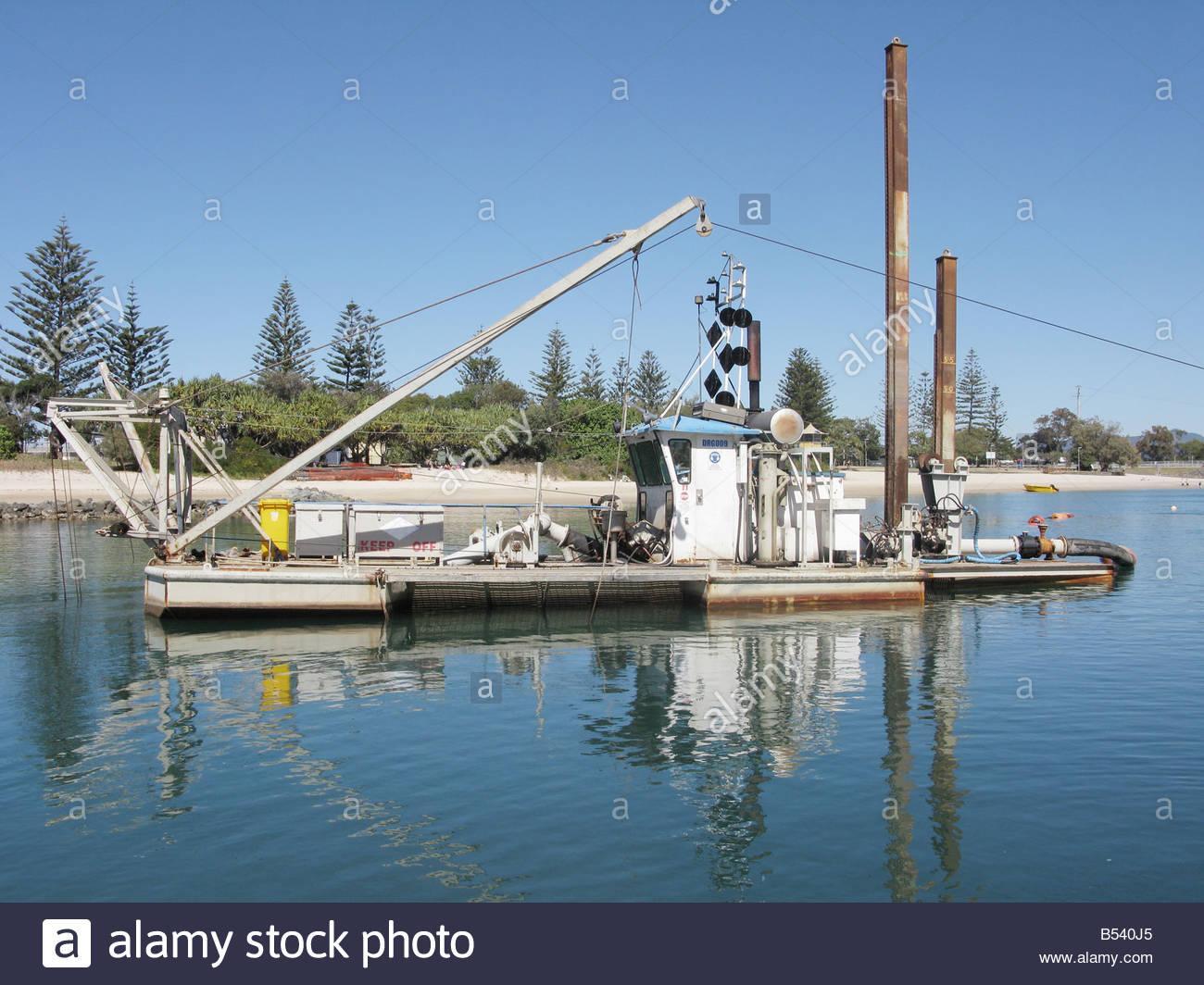 sand-dredging-barge-in-burleigh-heads-gold-coast-queensland-australia-B540J5.jpg